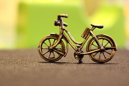 brown bike scale model