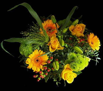 yellow roses and green chrysanthemums bouquet