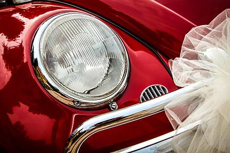 shallow focus of silver car headlight