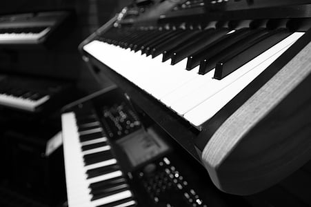 close up photo of electronic keyboard