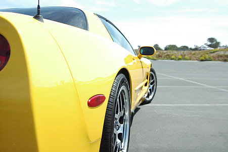 yellow Chevrolet Corvette C5