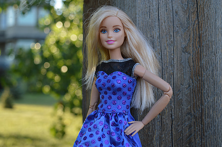 focus photography of Barbie doll