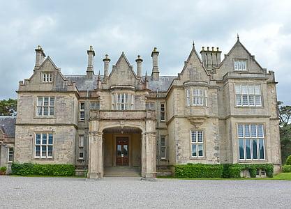 beige mansion