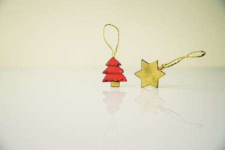 red and brown Christmas tree and 6-pointed star ornaments