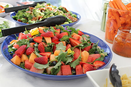 bowl of fruit and vegetable salad