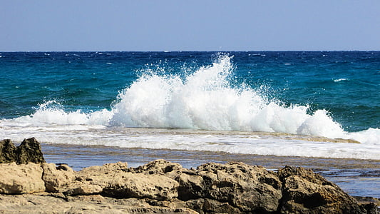 timelapse photography of beach wave taken during daytime