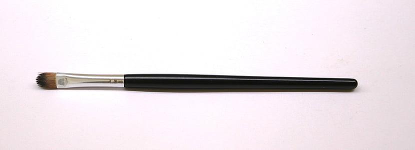 black eyeshadow brush
