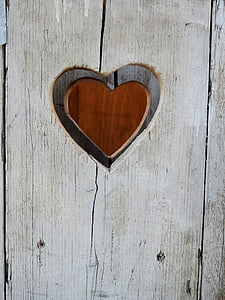 brown heart engrave wall