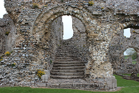 staircase ruins during daytime