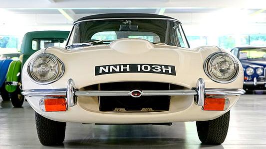 photo of white NNH 103H car