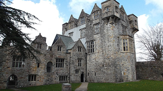 photo of gray concrete castle