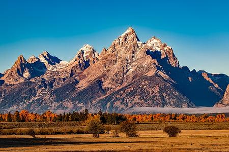 brown mountains over horizon