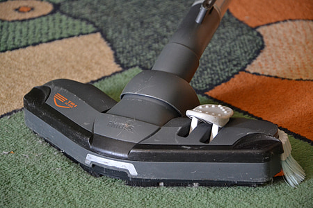closeup photo of gray vacuum cleaner
