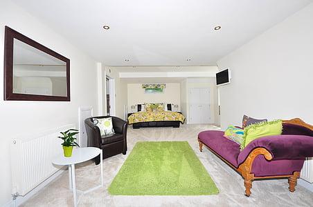 maron sofa