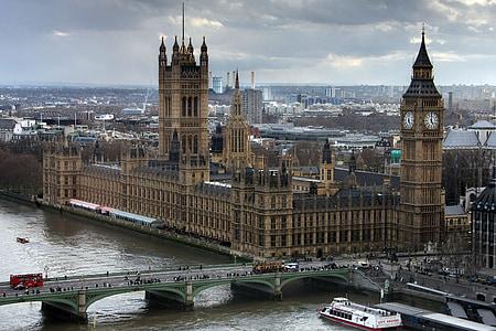 Big Ben in London screenshot
