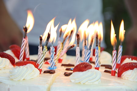 assorted cake candles
