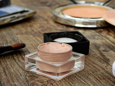 Royalty-Free photo: Brown and black makeup brushes - PickPik