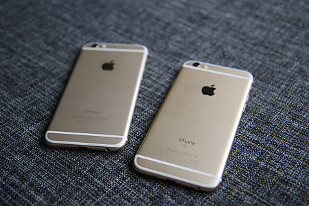 gold iPhone 6s and gold iPhone