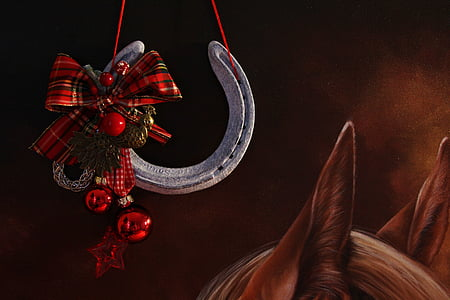 red bauble with ribbon painting