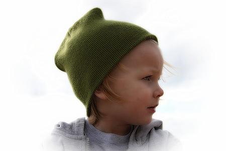 girl's green knit cap