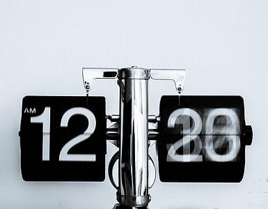 12:20 display clock