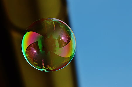 close-up photography of bubble