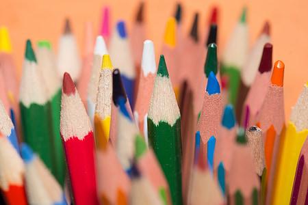 closeup photo of assorted-color pencils