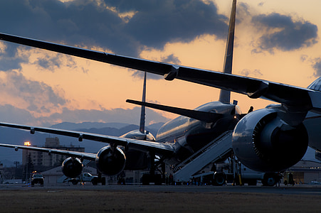 aircraft, commercial, parked, flight-line, jets, aviation