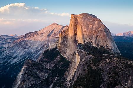 photography of skyline mountain shot