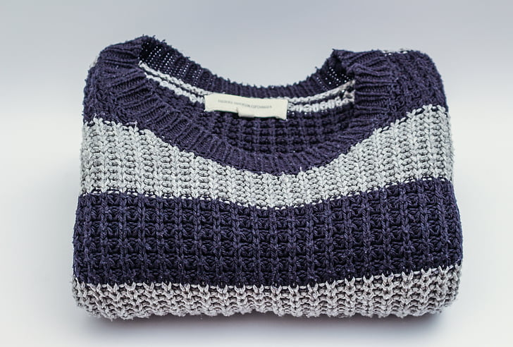 blue and white knitted crew-neck shirt