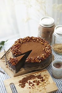 round round cake with icing