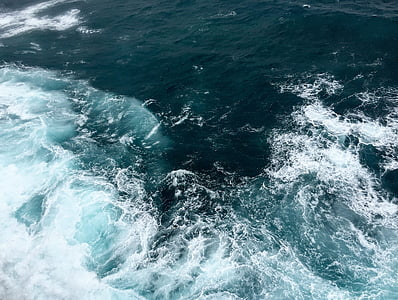 ocean waves photo