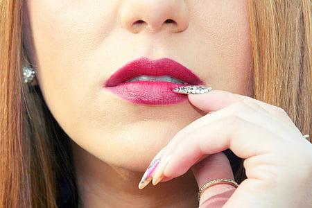 woman's pink lips