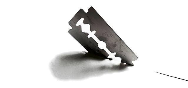 gray razor blade