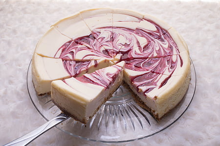 sliced cakes on round glass tray