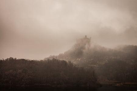 gray mountain range