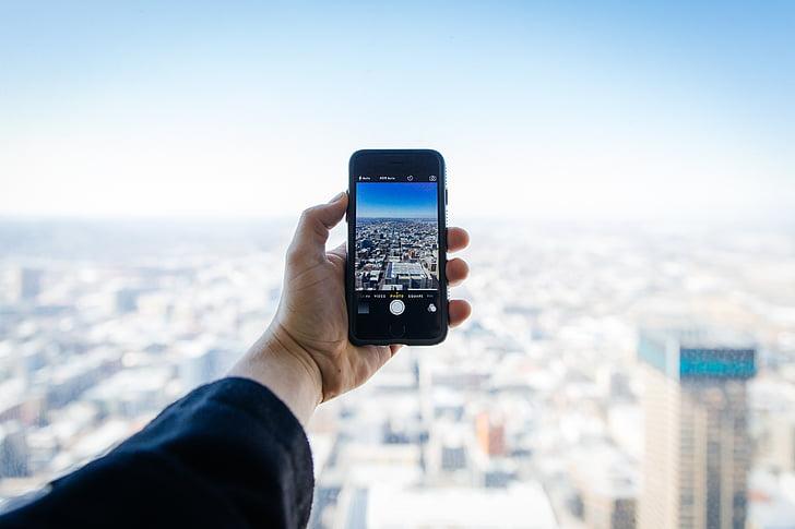 Royalty-Free photo: City, street, rooftop, apple, camera, iphone | PickPik