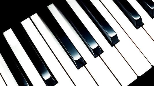 black and white piano keyboard