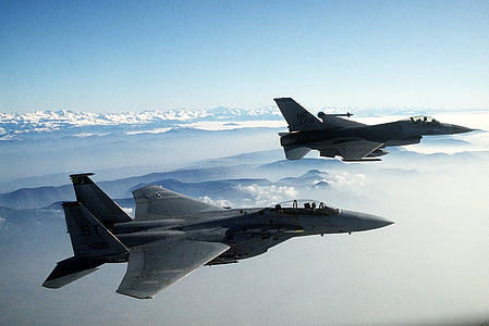 two fighter jets during daytime