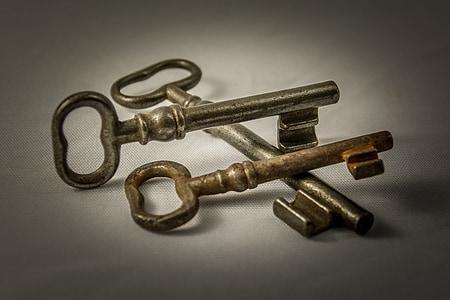 three skeleton keys