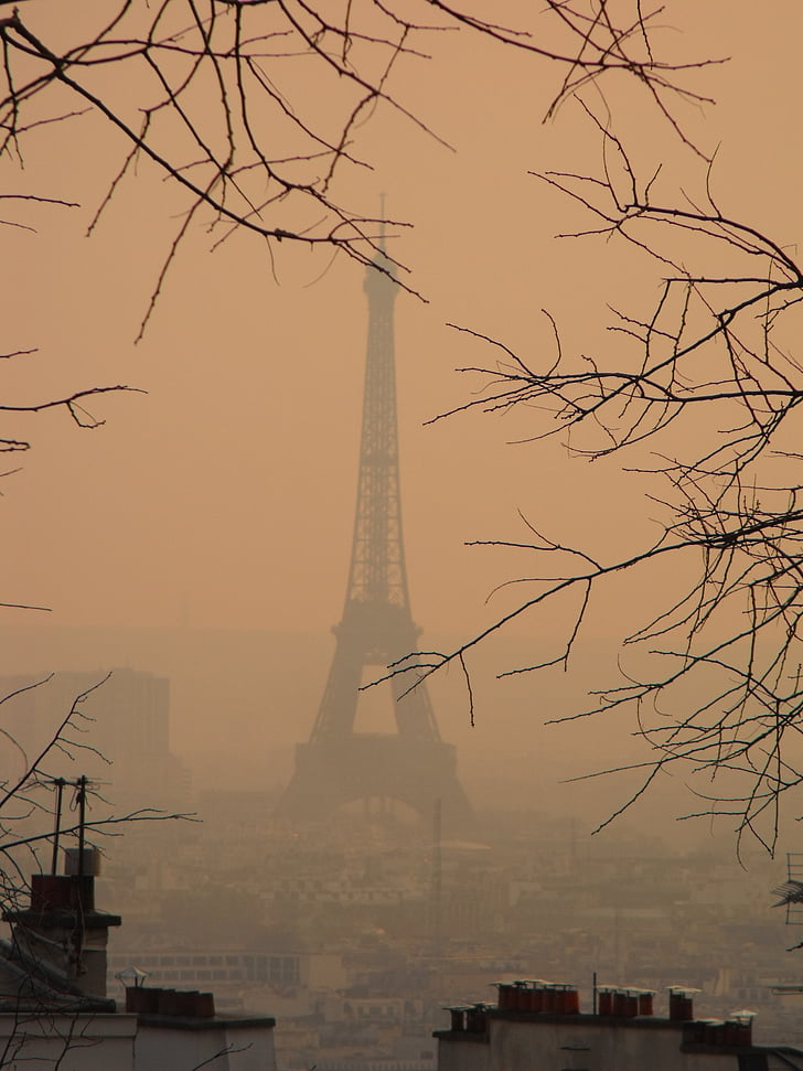 photo of Eiffel Tower, Paris