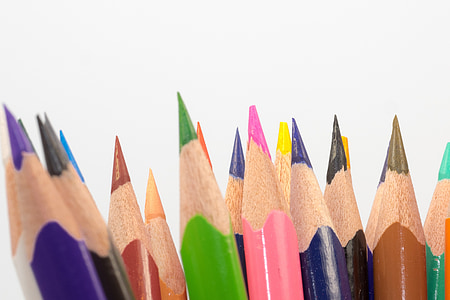 close up photography of assorted-color pencils