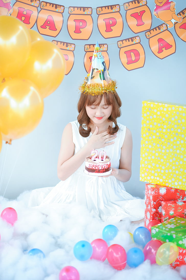 Royalty Free Photo Woman Holding Cake With 20 Years Candle Pickpik