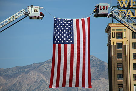 USA flag between lift carriers