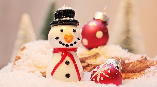 white snowman figurine
