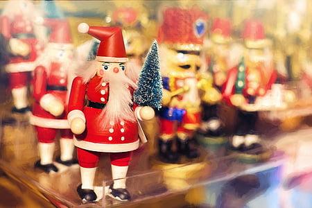 Santa Clause figures