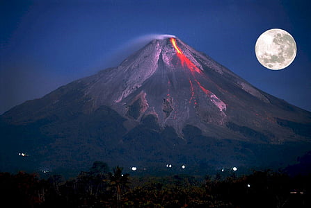 volcano eruption during night
