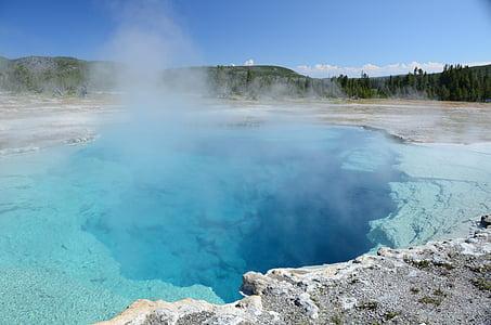geyser during daytime