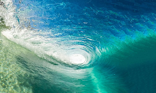 photography underneath sea wave
