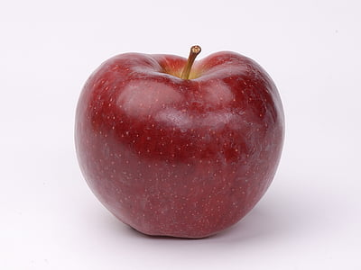 red apple close-up photo